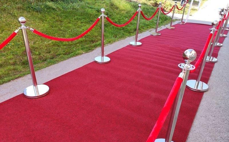 Cerveny koberec na svadbu prenajom 1