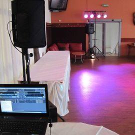 DJ aparatúra a osvetlenie oslava 50tky v reštaurácii Aréna v Poprade